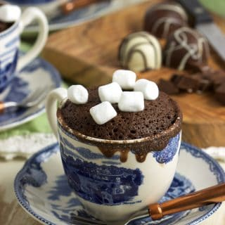 How to Make a Hot Chocolate Mug Cake