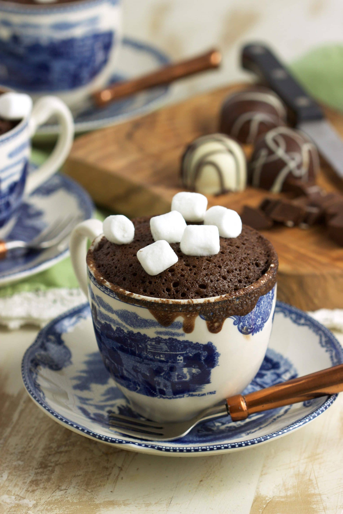 How to Make a Hot Chocolate Mug Cake - The Suburban Soapbox