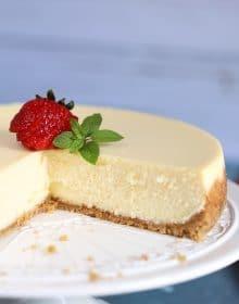 The Very Best Cheesecake Recipe | TheSuburbanSoapbox.com