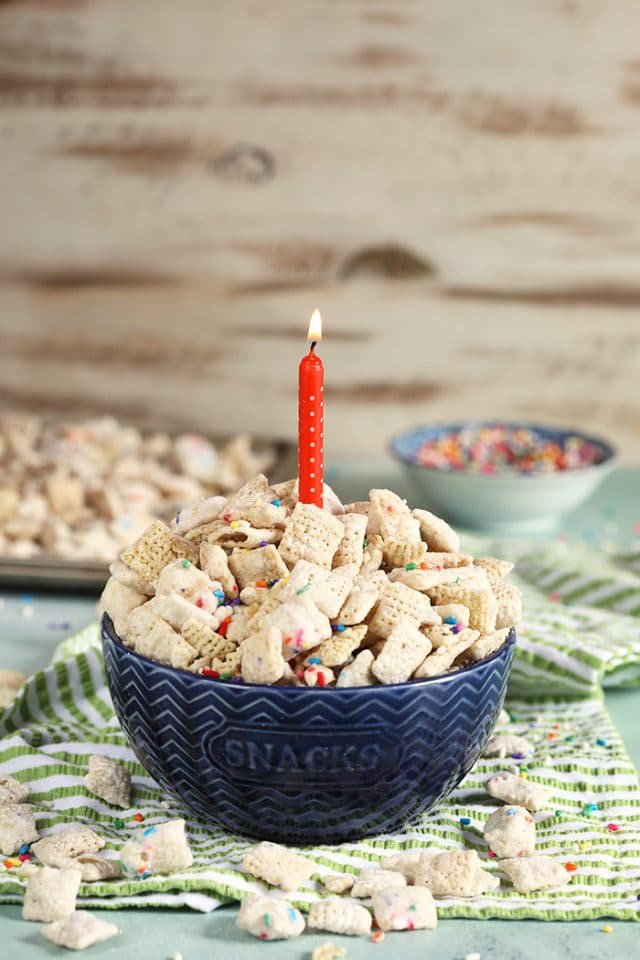 Birthday Cake Puppy Chow Recipe (Muddy Buddies Recipe)